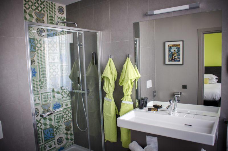 Alex Hotel, Near Gare St. Charles, Marseille - Bathroom