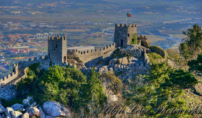 Castelo dos Mouros - photo by Glyn Lowe PhotoWorks under CC BY 2.0