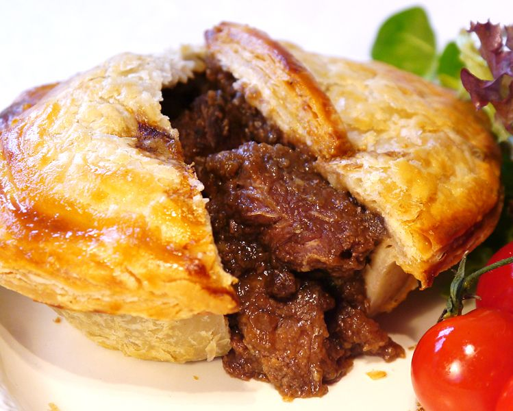 Anthony Bourdain Sydney - Steak pie - photo by Goddard's Pies Limited under CC-BY-SA-3.0