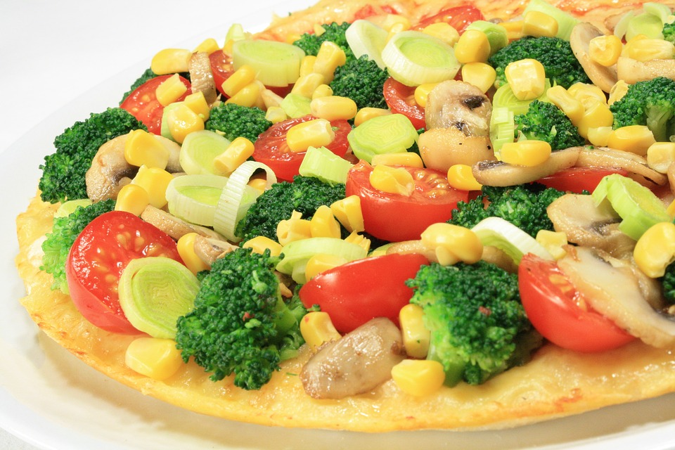 Anthony Bourdain US Heartland - Vegetarian Corn Pizza - photo by Max Pixel under CC0
