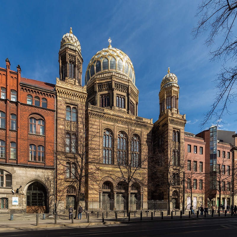 historical sites in berlin - Neue Synagogue - photo by Ansgar Koreng under CC BY-SA 2.0