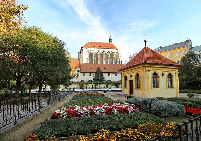 free things to do in Prague - Franciscan Gardens - photo by VitVit under CC-BY-SA-4.0
