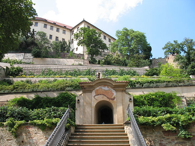 gardens below the Prague Castle - photo by Mr. Kjetil Ree.under CC-BY-SA-3.0-migrated and CC-BY-SA-2.5,2.0,1.0