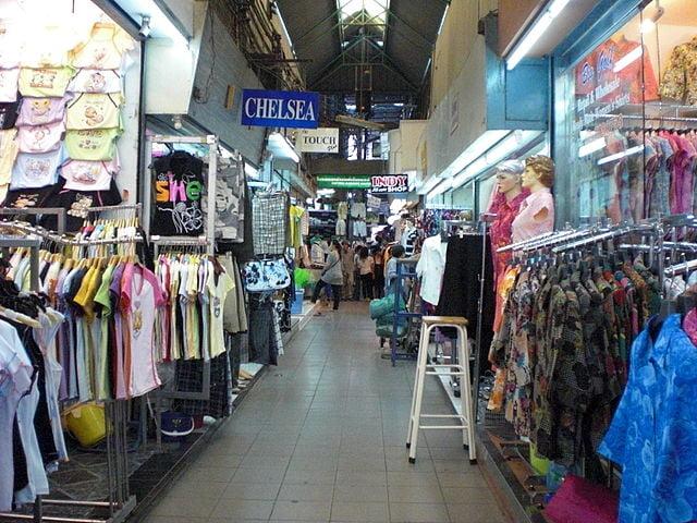 Pratunam Market - photo by Biyu Lau under CC-BY-2.0