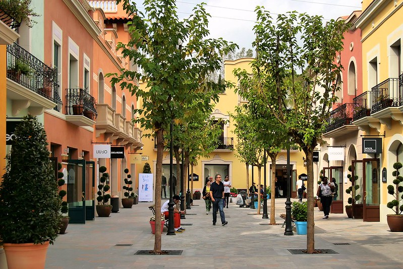 La Roca Village - photo by Jorge Franganillo under CC BY 2.0