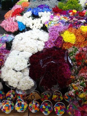best shopping in Mexico City - a display of glowers at Mercado de Jamaica - photo by Adam Jones under CC BY-SA 2.0