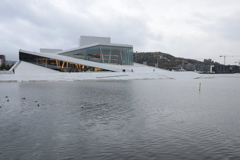 free things to do in Oslo - The Oslo Opera House (Operahuset) - photo by Jorge Láscar under CC BY 2.0