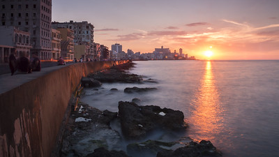 Malecón sunset - photo by kuhnmi under CC BY 2.0