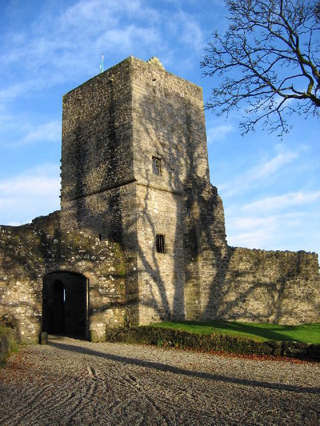 ruins of Mugdock Castle at Mugdock Country Park - photo by Brian D Osborne under CC BY-SA 2.0