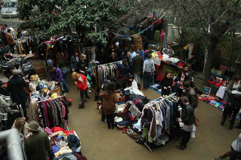 best shopping in Barcelona - El Flea - photo by Ajuntament Barcelona under CC BY-ND 2.0