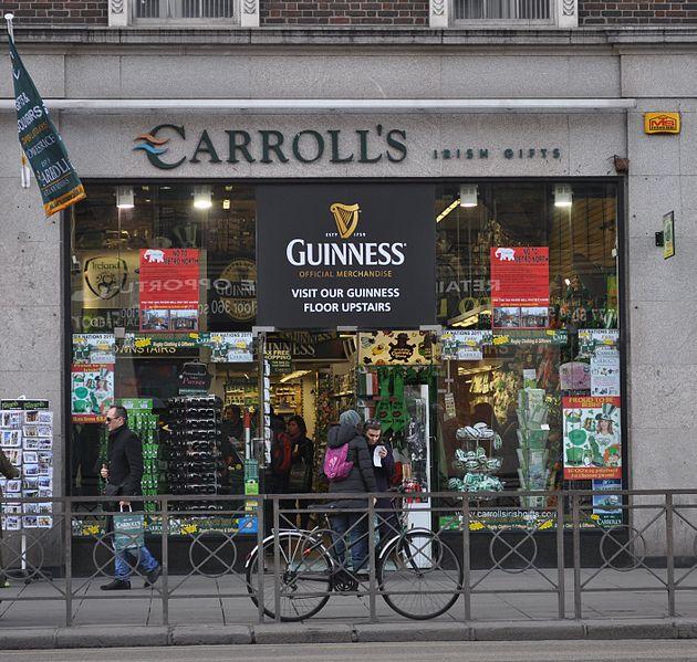best shopping in Dublin - Carroll's Irish Gifts in Aston Quay - photo by ru-wikipedia user Аскольд under CC-Zero