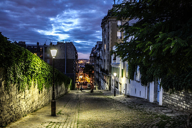 A street in Montmartre, Paris - photo by Shadowgate from Novara, ITALY under CC-BY-2.0