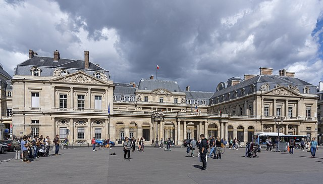 Palais-Royal - photo by Alexandre Prevot from Nancy, France under CC-BY-SA-2.0