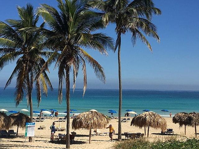 Playas del Este - photo by Abdeaitali under CC-BY-SA-4.0