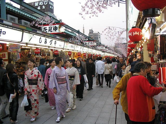 Nakamise, the shopping street that connects the Sensō-ji outer gate to the main hall - photo by Gorgo under PD-self