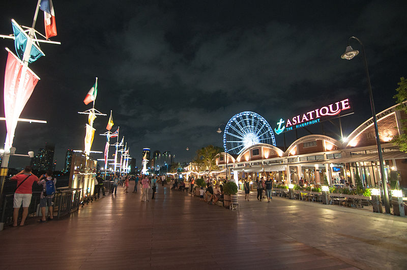 Waterfront promenade of ASIATIQUE: The Riverfront - photo by chee.hong under CC-BY-2.0