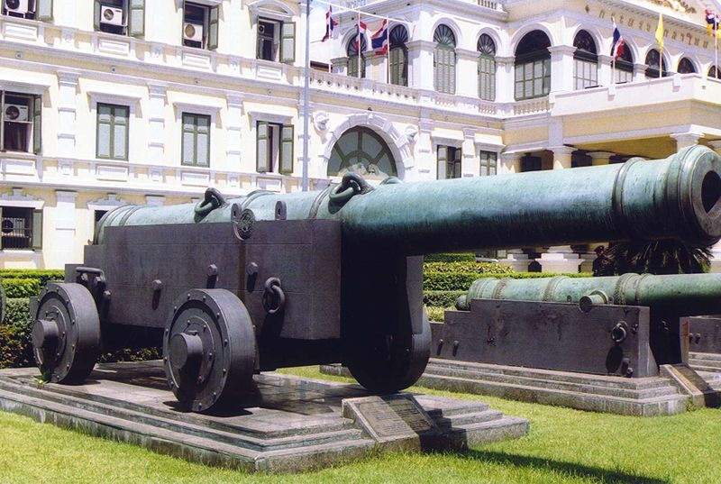 free things to do in Bangkok - One of the cannons at Ancient Artillery Museum in Bangkok - photo by Ahoerstemeier under GFDL and CC BY-SA 3.0, 1.0