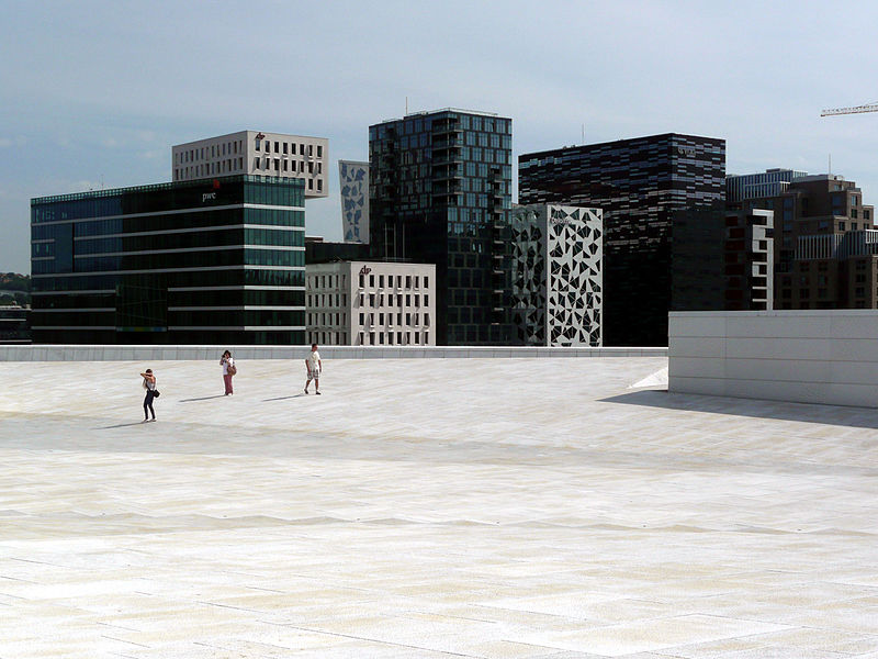 free things to do in Oslo - The Barcode Project, viewed from the Oslo Opera House - photo by Ghirlandajo under CC-BY-SA-4.0
