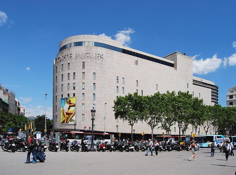 best shopping in Barcelona - El Corte Inglés in Plaça de Catalunya, Barcelona - photo by Felix König under GFDL and CC-BY-3.0