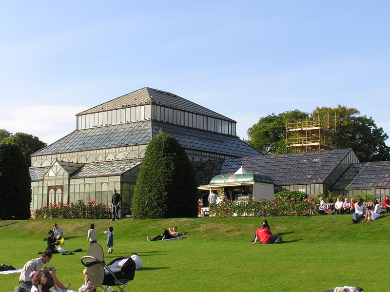 The Botanic Gardens in Glasgow, Scotland - photo by Finlay McWalter under CC-BY-SA-3.0-migrated