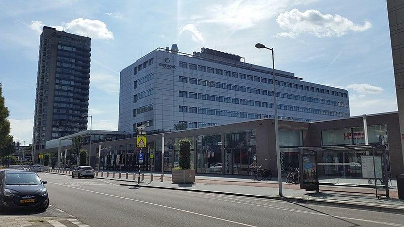 best shopping in Amsterdam - Gelderlandplein in Amsterdam - photo by Ceescamel under CC-BY-SA-4.0