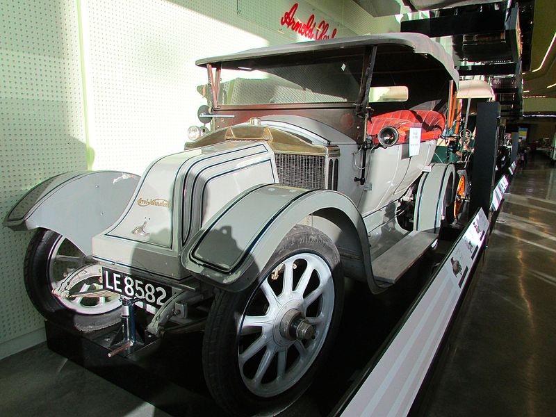 free things to do in Glasgow - Arrol-Johnston vintage car at the Riverside Museum - photo by Glen Bowman from Newcastle, England under CC-BY-2.0