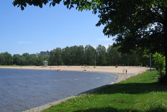 Ottawa's Britannia Beach - photo by James R. Skinner under CC-BY-SA-2.5
