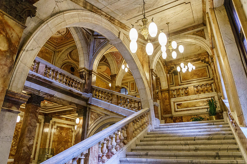 the Carrara marble staircase of the Glasgow City Chambers - photo by © User:Colin / Wikimedia Commons under CC BY-SA-4.0