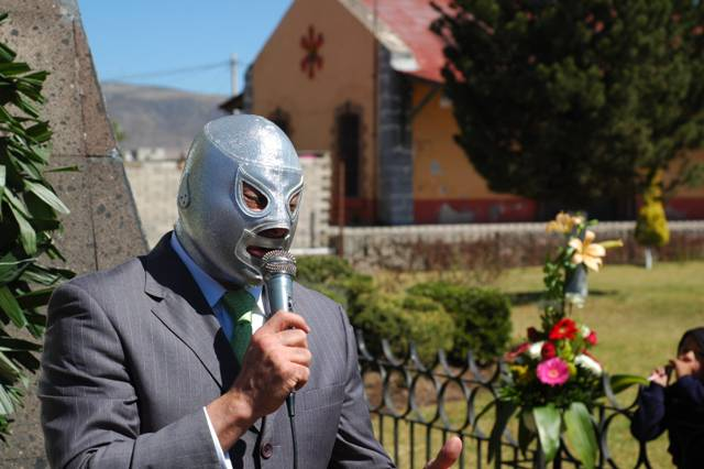 Mexican wrestler Hijo del Santo - photo by Fotosuabe under CC-BY-SA-2.0