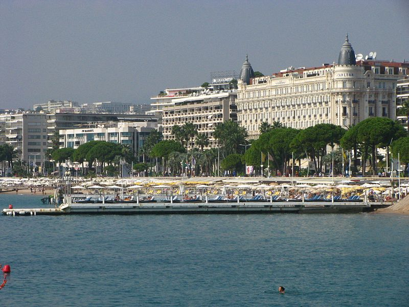 three days in Cannes - Pointe Croisette - photo by bogdan1971 under CC-BY-SA-3.0