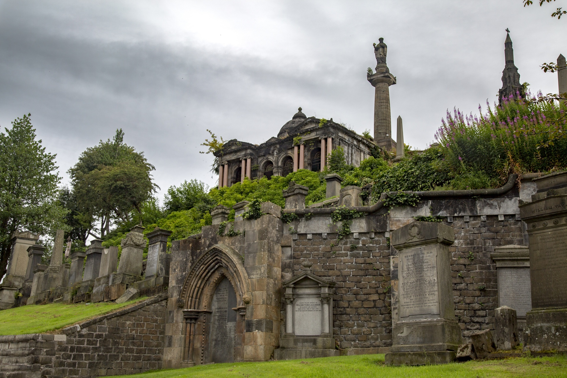 The Glasgow Necropolis - photo by George Hodan under CC0 Public Domain