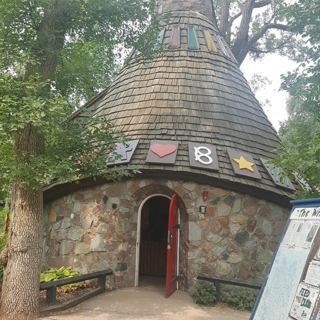 Hansel and Gretel Witch Hut at Kildonan Park - photo by Tony R. Whincup under CC0