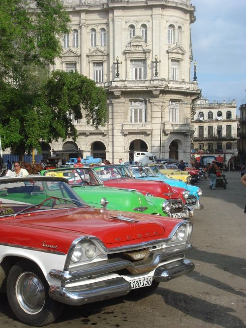 Havana Vintage Vehicles - photo by Brigus under Pixabay License