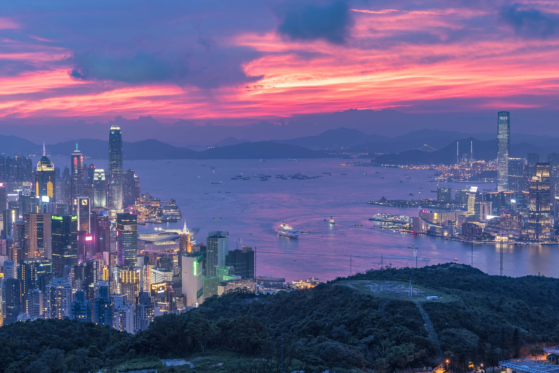 Victoria Harbour in Hong Kong - photo by Steven Yu under Pixabay License
