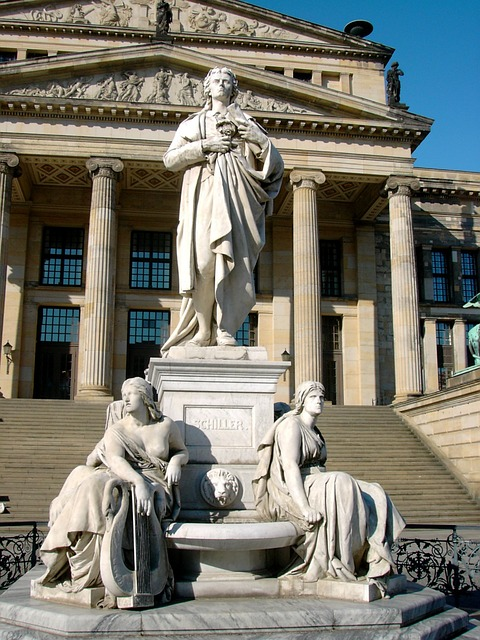 Friedrich Schiller statue at Gendarmenmarkt - photo by erge under Pixabay License