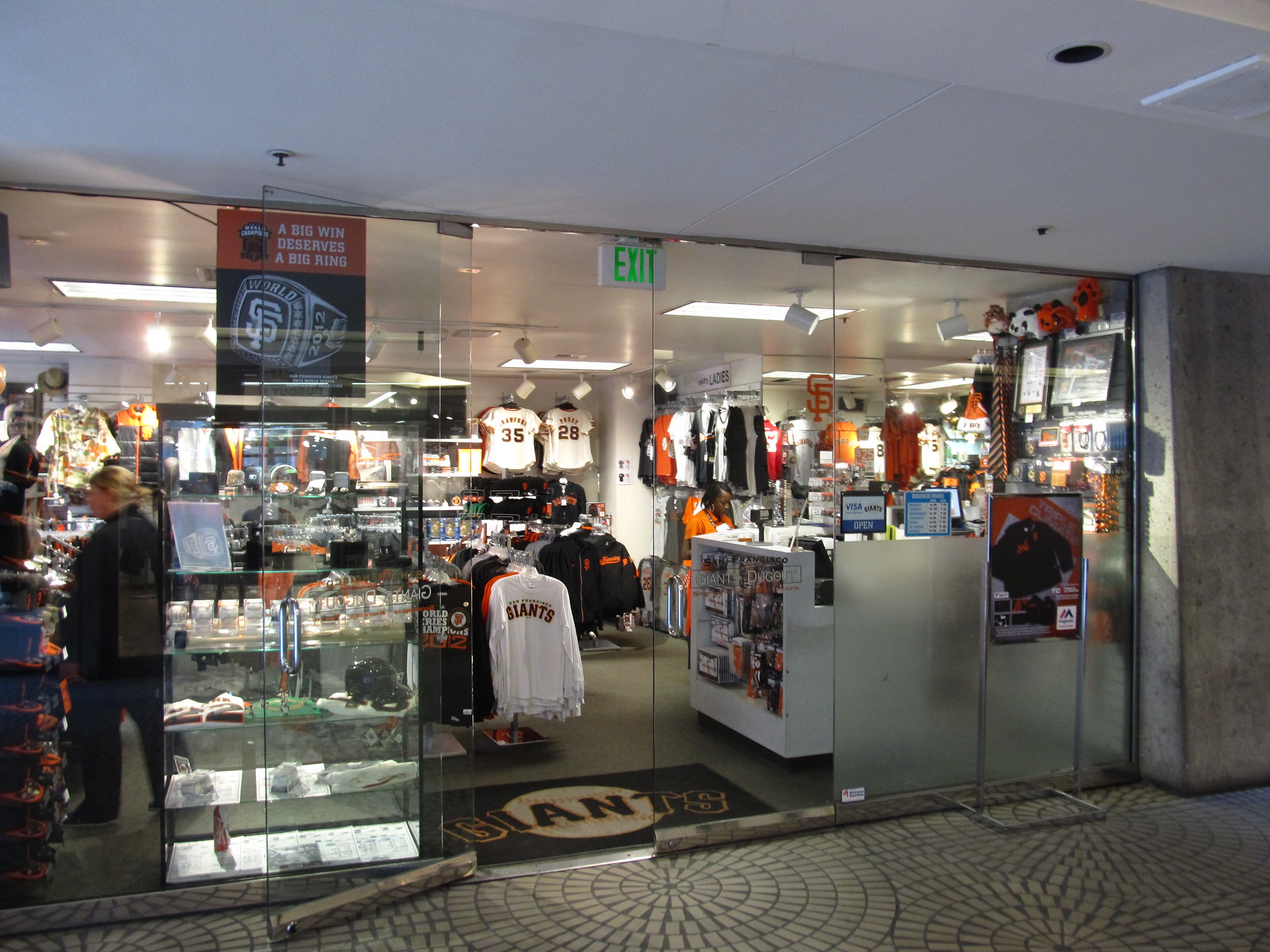 The Giants Dugout Store at the Embarcadero Center - photo by Ken Lund under CC BY-SA 2.0