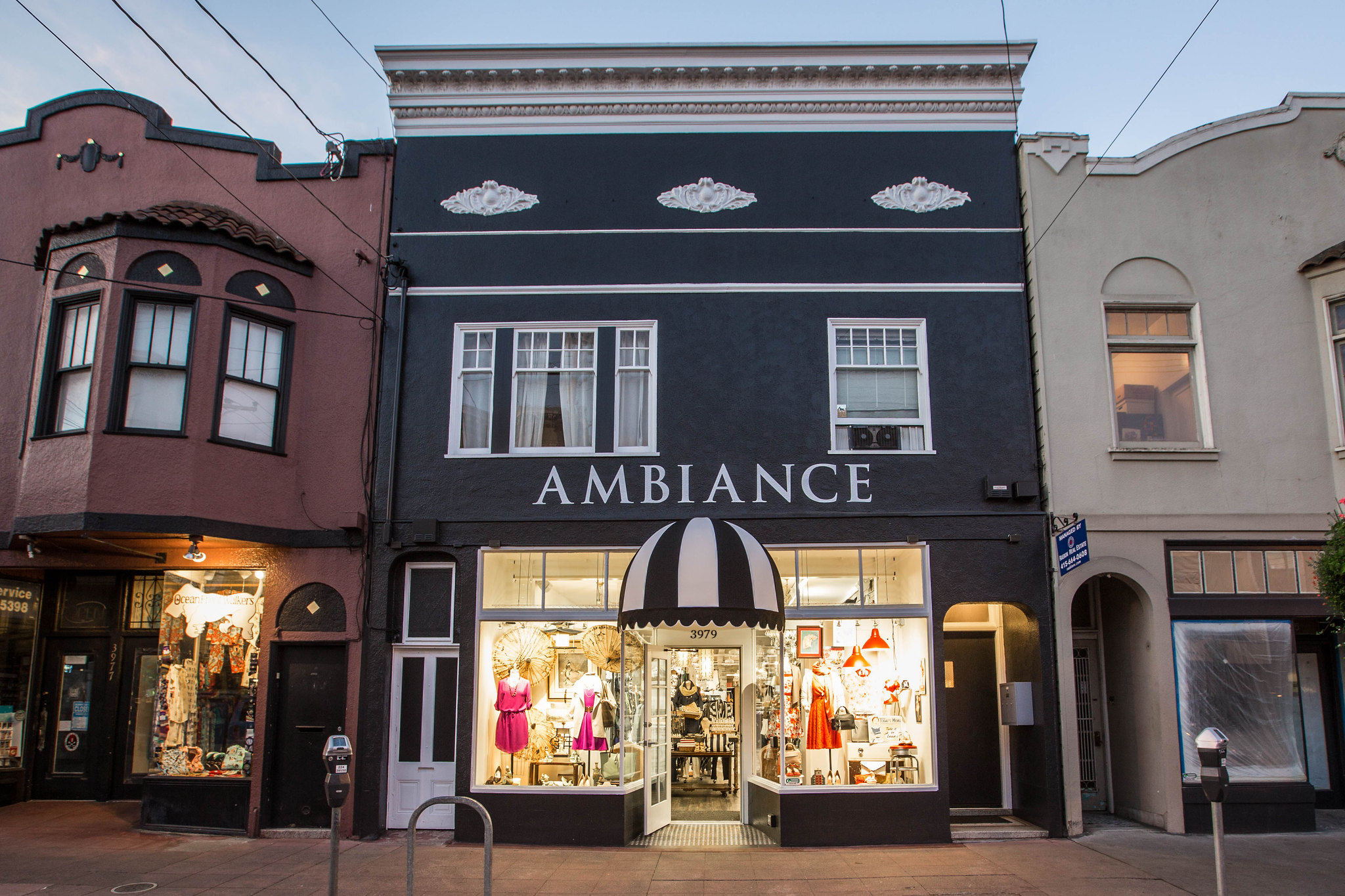 Ambiance SF on 24th Street - photo by Justin Schuck under CC BY-ND 2.0