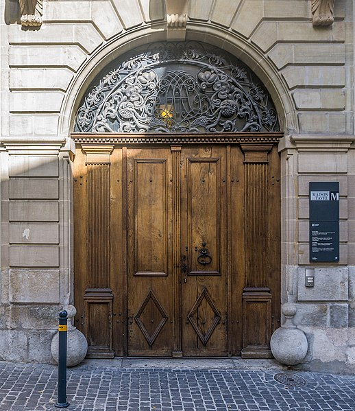 The door of Maison Tavel - photo by Sumit Surai under CC-BY-SA-4.0