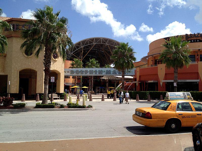 best shopping in Miami - Dolphin Mall in Miami - photo by Bobak Ha'Eri under CC-BY-3.0