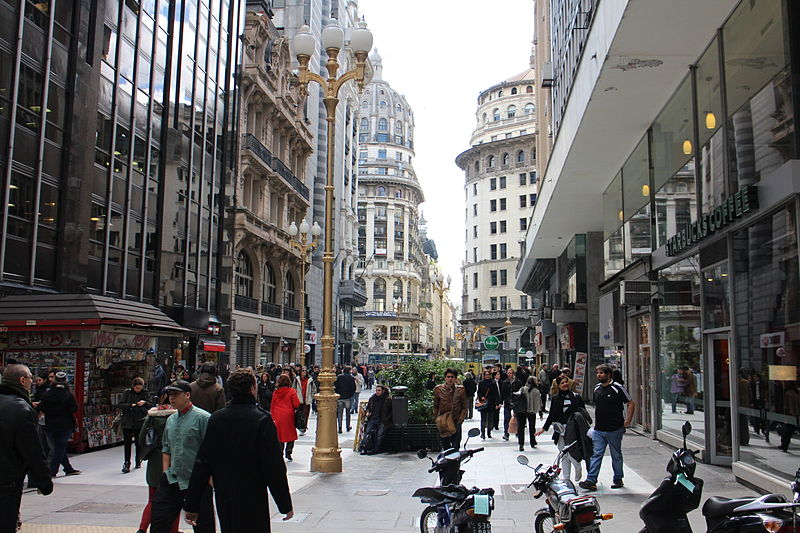 best shopping in Buenos Aires - A portion of Calle Florida - photo by Bleff, Gobierno de la Ciudad de Buenos Aires under CC-BY-2.5-AR