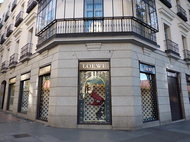 A LOEWE boutique on Calle de Serrano - photo by Lourdes Cardenal under CC-BY-SA-4.0