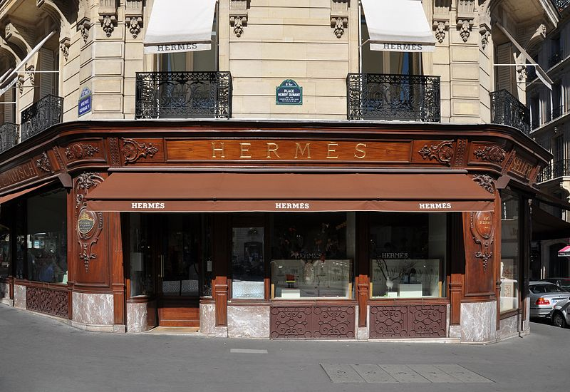 three days in Paris - Hermès Store on Avenue George V in Paris - photo by Moonik under CC-BY-SA-3.0