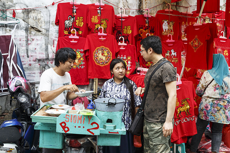 Glodok Chinatown Market - photo by CEphoto, Uwe Aranas under CC-BY-SA-3.0