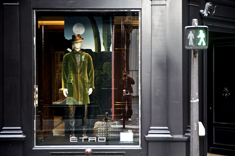 three days in Paris - A shop window on Boulevard Saint-Germain - photo by THOR under CC-BY-2.0