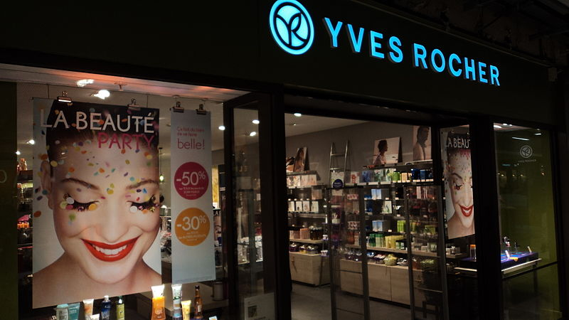 The Yves Rocher at the Italie 2 shopping mall in Paris - photo by ErasmusOfParis under CC-BY-SA-2.0