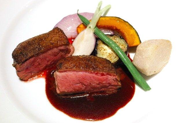 Lamb steak - photo by takedahrs under Pixabay License