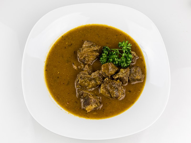 Anthony Bourdain Armenia - Oxtail Soup - photo by © Raimond Spekking / CC BY-SA 4.0 (via Wikimedia Commons)