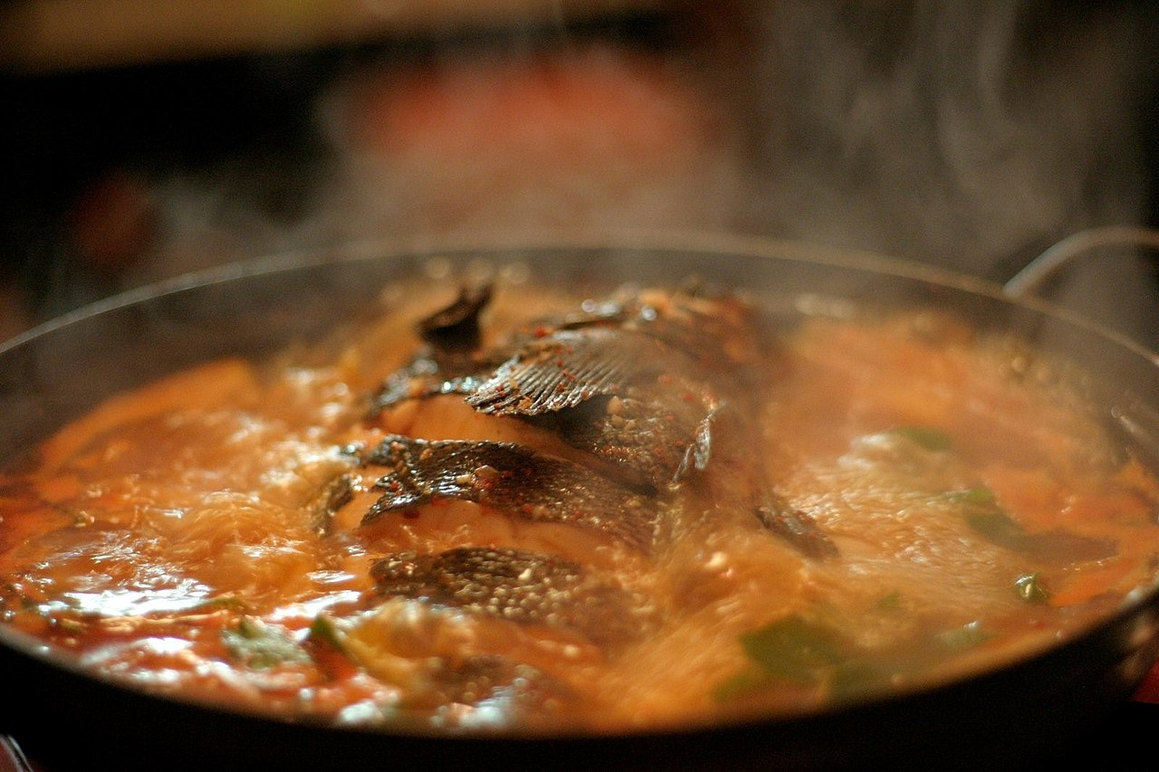 Anthony Bourdain San Francisco - Maeuntang, Korean spicy fish soup - photo by David Peterson under CC-BY-2.0