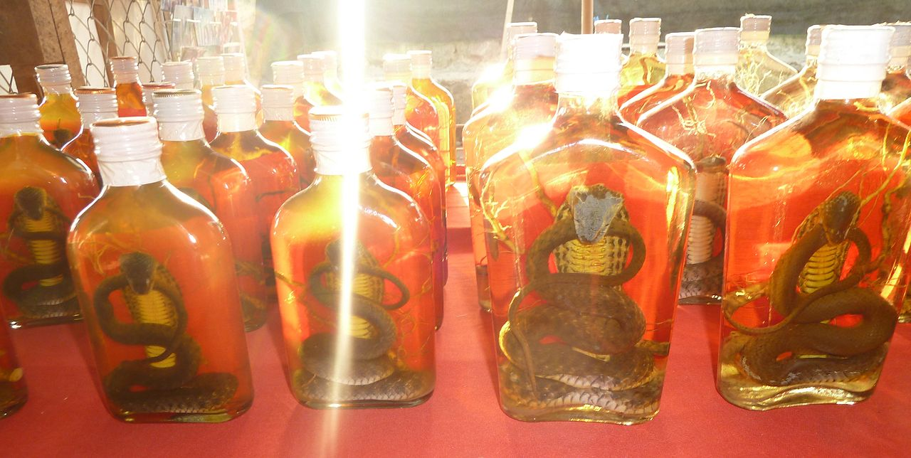 Snake Whiskey - photo by Deror Avi under GFDL and CC-BY-SA-3.0,2.5,2.0,1.0