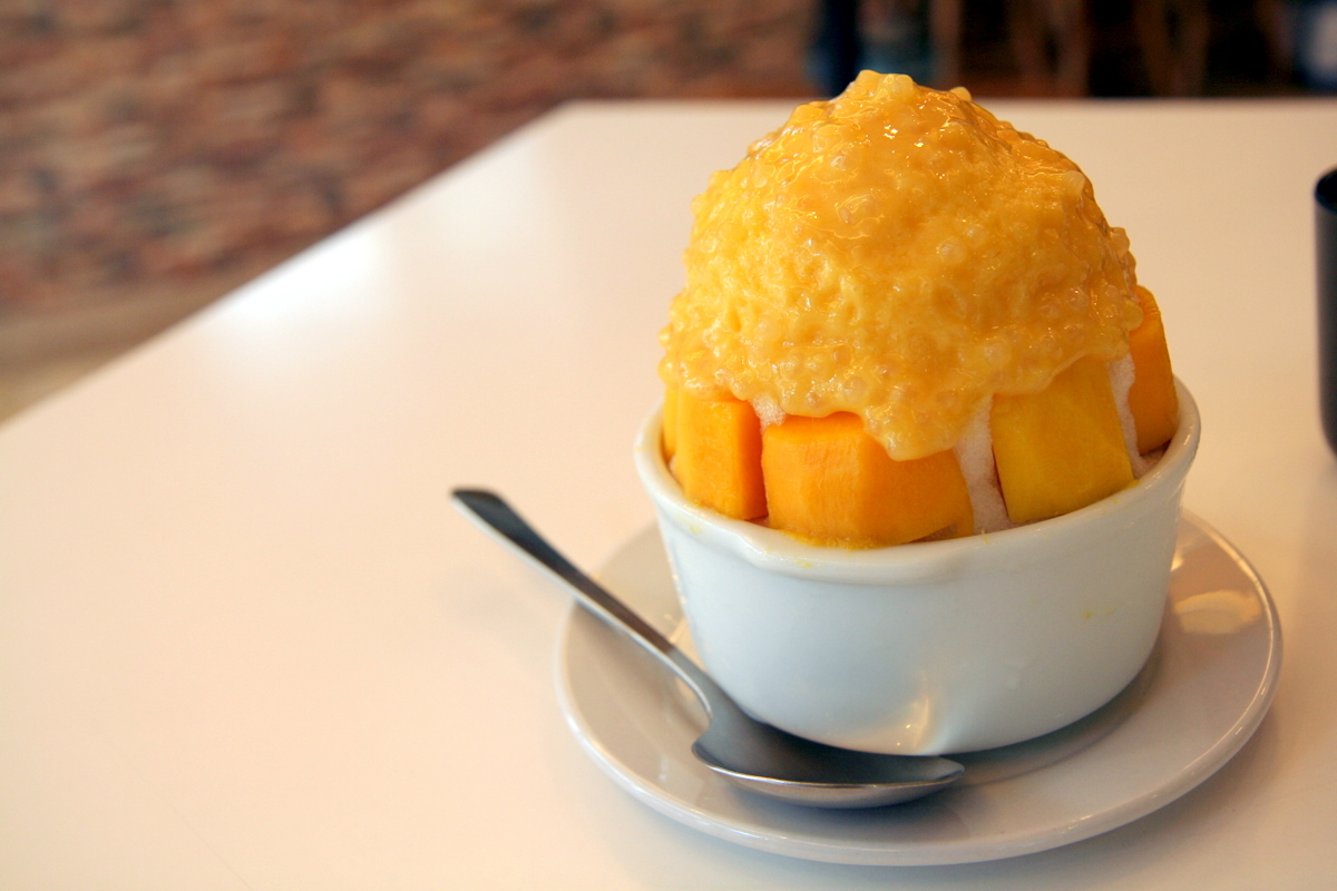 Anthony Bourdain Taipei - Shaved Ice - photo by rubberduckee under CC BY 2.0